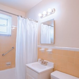 Corlies Manor Apartments For Rent in Poughkeepsie, NY Bathroom